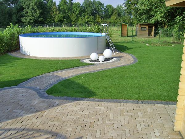 Kreative und individuelle gartengestaltung for Gartengestaltung um den pool